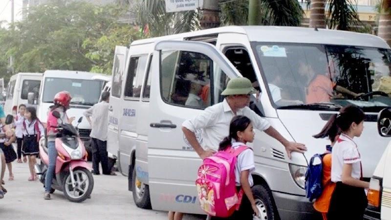 Có nên sử dụng dịch vụ cho thuê xe đưa đón học sinh bằng ô tô không?